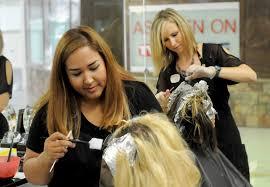 samantha ketterer austin bureau reporter houston chronicle at left taylor davis has her hair done by natalia nichols while jennifer lippe works