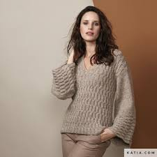 <b>Sweater</b> - <b>Woman</b> - <b>Autumn / Winter</b> - models & patterns | Katia.com