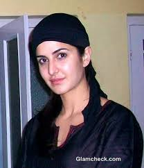 The actress recently flew down to Rajasthan to offer her prayers at Ajmer Sharif on Tuesday. Katrina Kaif in burqa at Ajmer Sharif to Seek Blessings for Jab ... - Katrina-Kaif-in-burqa-at-Ajmer-Sharif-to-Seek-Blessings-for-Jab-Tak-Hai-Jaan