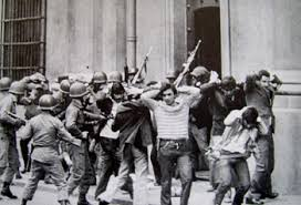 Résultats de recherche d'images pour «bombardeo de la moneda 1973»