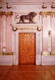 Resultado de imagem para Entrada do palácio de S. Bento, leões