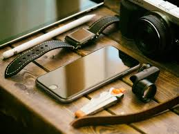13 tips to extend the lifespan of your <b>phone battery</b> | by Lauren ...