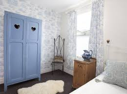 Shabby Chic Bedroom Wall Colors : Shabby chic style guide hgtv