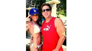 Most Beautiful Woman Holly Sonders had Plastic surgery or not ...