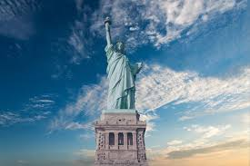The <b>Statue of Liberty</b> — Ellis Island Foundation