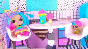 <b>Куклы Лол Сюрприз</b>! Завтрак с Плей До и урок рисования <b>Lol</b> ...