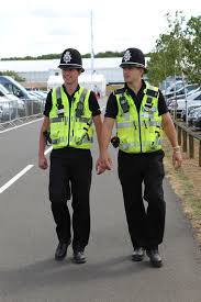 become a police community support officer how2become image 4