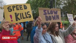 Mia Strothers: Safety campaigners <b>hold rush</b> hour road block - BBC ...