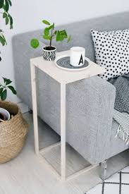 home accents interior decorating: sofa side tablethank you google translate for letting us read german blog sinnen rausch this blog is full of light and fresh decorating ideas and tutorials