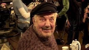 Annars har Bert-Åke Varg mest varit röstskådespelare. Han har gjort många svenska röster till några ut av världens populäraste fiktiva figurer. - bert-ke-varg3_205410698