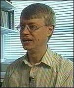 [ image: Professor Robert West: Smoking wards off hunger pangs] - _389035_west150