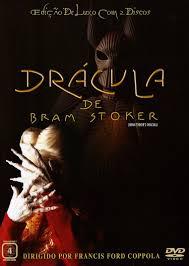 Dracula de Bram Stoker (Bram Stoker's Dracula / Dracula) - 1992SinopseNo século XV, um líder e guerreiro dos Cárpatos renega a Igreja quando esta se recusa a enterrar em solo sagrado a mulher  que amava, pois ela se matou acreditando que ele estava morto. Assim, perambula através dos séculos como um morto-vivo e, ao contratar um advogado, descobre que a noiva deste é a reencarnação da sua amada. Deste modo, o deixa preso com suas