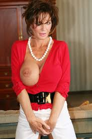 12.jpg Here is a photo from my new photo set to be posted to my Deauxma.com website. This photo set falls in the classy lady category.