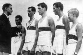 """Deutscher Meister und Europameister im """"Vierer-mit"""" 1959, der RC Germania Düsseldorf mit Klaus Wegner, Gerd Cintl, Horst Effertz, Schlagmann Dr. Claus Heß ... - vm59a"""