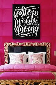 photos pink black room