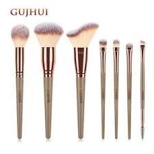 Кисти и инструменты для <b>макияжа</b>