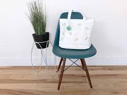 <b>DIY Canvas</b> tote bag with a <b>modern</b> design - kraft&mint blog