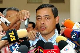 La noche de este lunes se confirmó de manera extraoficial desde la redacción de Diario República que Rafael Isea, ex Gobernador de Aragua y expresidente del ... - wpid-isea-rafael1