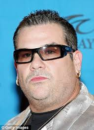 Jill Kelley tried to involve herself in a potentially serious situation that occurred when Bubba the Love Sponge (right) threatened to deep fat fry a Koran - article-2234324-1612B09F000005DC-127_306x423