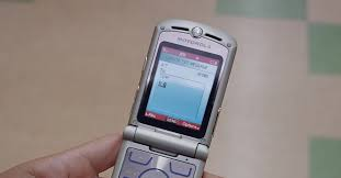 The Motorola Razr May Return as a Foldable Phone -- for $1,500 ...