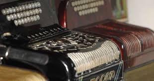 Aldeia de Porto de Mós prepara-se para receber 500 tocadores de concertina