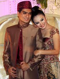 YOUTUBE PERNIKAHAN RICKY HARUN DAN HERFIZA NOVIANTI 15 JUNI 2013 Ricky Harun Resmi Menikah Dengan Herfiza Novianti