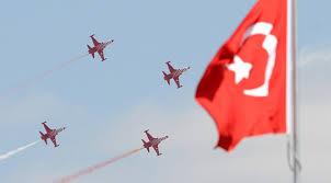 Türk yıldızları Girne'de gösteri yaptı