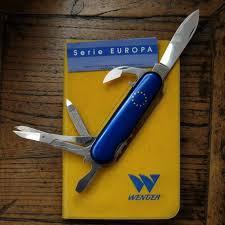 <b>Victorinox Classic</b> SD <b>Swiss Army Knife</b> (Blue)
