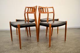 moller set dining chairs