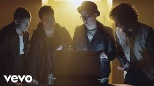 <b>Fall Out Boy</b> - My Songs Know What You Did In The Dark (Light Em ...