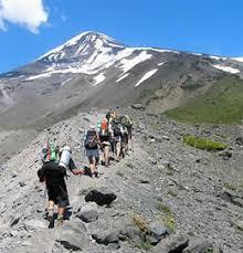 ¿Qué produce más agujetas: subir o bajar una montaña?