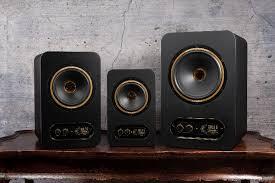 <b>Tannoy Gold 5</b> – младшая модель серии студийных мониторов ...