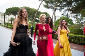 the amfar gala a night for movie stars supermodels and go to previous slide go to next slide