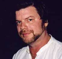 Allen Steele is professional science fiction writer with seventeen novels, five collections of short fiction, and a collection of essays to his name. - steele