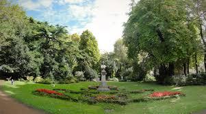 Incontro su spazi verdi a Trieste