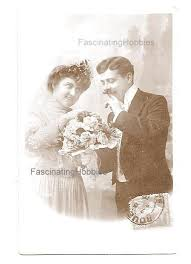 VINTAGE POSTCARD - 1910 - <b>Elegant</b> LOVERS, nice Flowers ...