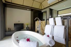 image bathtub decor: private bathroom every womans dream private bathroom every womans dream