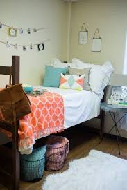 joanna gaines dorm room decorating ideas are cute enough to use in your home chic design dorm room ideas