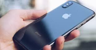 Đánh giá iPhone X sau 1 năm sử dụng: Tróc sơn, tai thỏ, Face ID ...