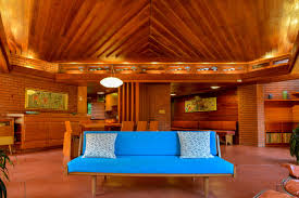 There's Not a Single <b>90</b>-<b>Degree</b> Angle in This Frank Lloyd Wright ...