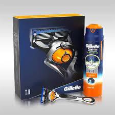 подарочный набор gillette fusion5 proshield chill бритва 5 сменных кассет подставка