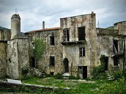 Il fascino dei luoghi abbandonati Images?q=tbn:ANd9GcSjYwfybQwiX5ABka48YmWMcdRCUG2BYRUhDhfYS2-tfYiMw0nF