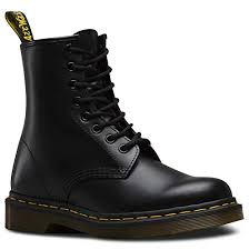 Amazon.com | <b>Dr</b>. Martens - 1460 Original 8-Eye Leather Boot for ...
