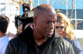 Rapper Tyrese Gibson was overcome with emotion when he visited the crash scene where his friend Paul Walker died in Santa Clarita - article-2516403-19C60CAA00000578-574_964x634