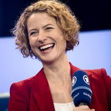 Kristin Gesang - Medientrainerin, Moderatorin, Journalistin | Frankfurt am Main | Hessischer Rundfunk - fotos_3_gross