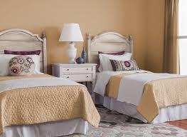 kitchen colors images: bedroom in onionskin tan glidden cil orange bedroom onionskintan bedroom in onionskin tan