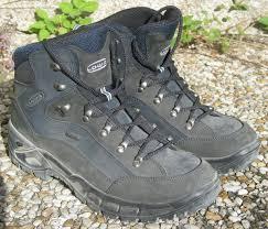 Треккинговые ботинки — Википедия