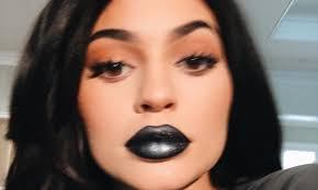 Kylie Jenner shows off <b>new</b> '<b>black metal</b> matte lipstick' from her ...