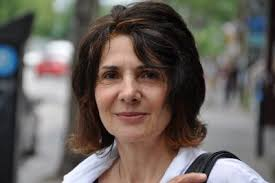 Louise Ladouceur est née à Montréal le 6 octobre 1950. Dès son jeune âge, le dessin et le bricolage l'intéressent particulièrement. - louiseladouceur