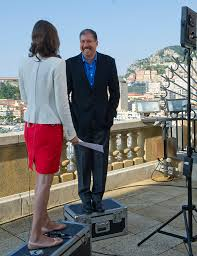 carolin roth interviews mark weinberger for cnbc ken lennox flickr carolin roth interviews mark weinberger for cnbc by ken lennox